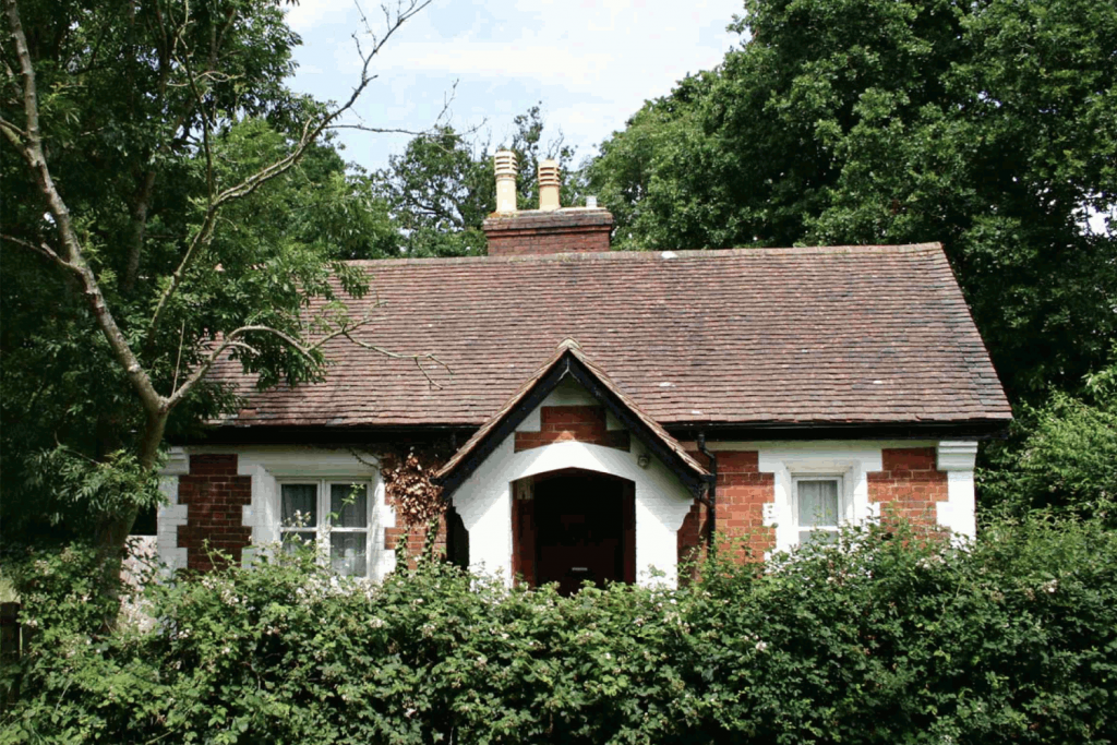Hounds Lodge, Hampshire <br> Residential extension and complementary therapy studio